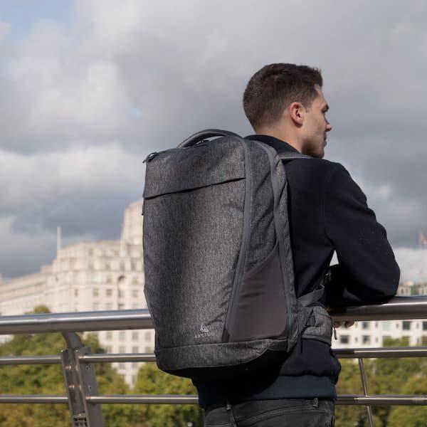 Cestovní batoh Akra šedý velký objem