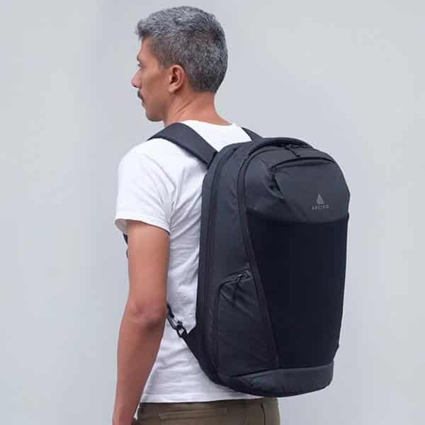 Cestovní batoh Oxna černý velký objem