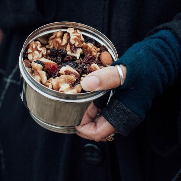 Velká plechovka na ořechy
