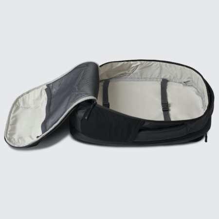 Cestovní batoh Oxna černá barva hlavní úložný prostor