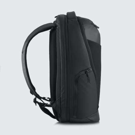 Cestovní batoh Oxna černá barva boční ramenní popruhy