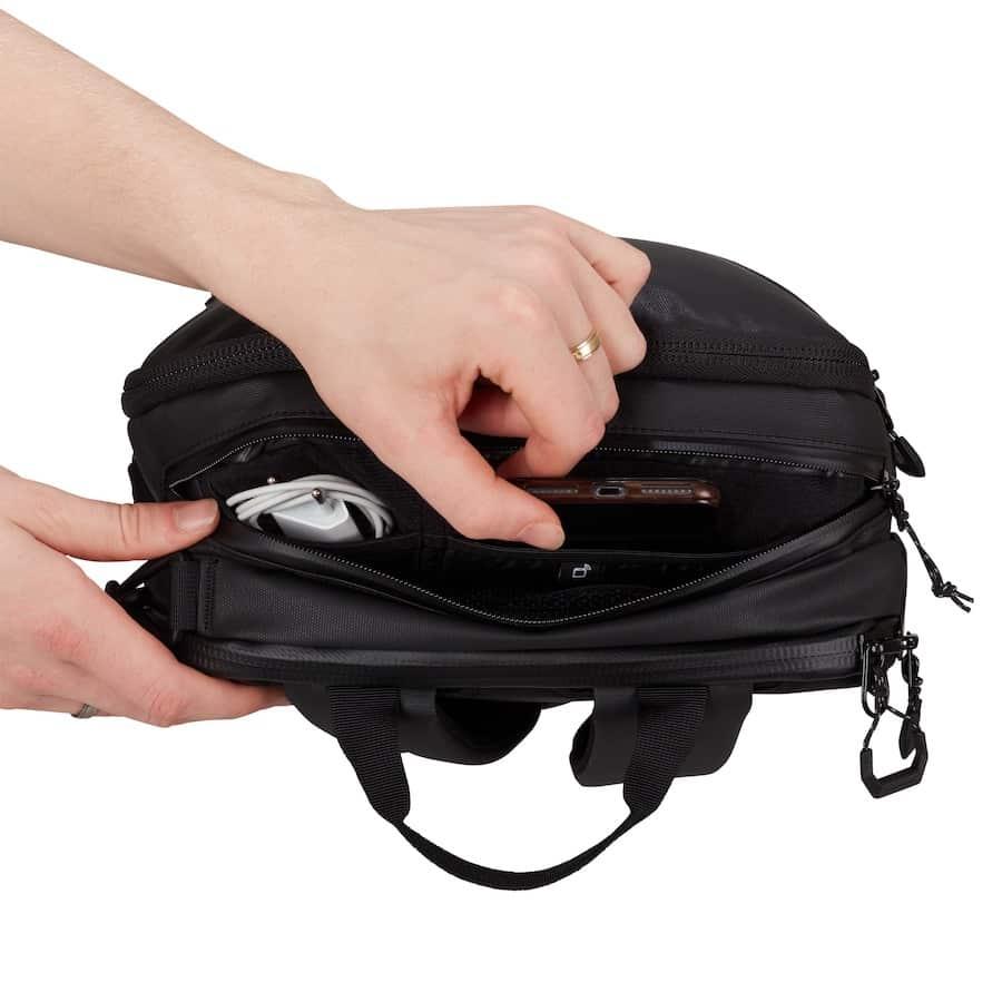 kapsa na telefon a na kabely