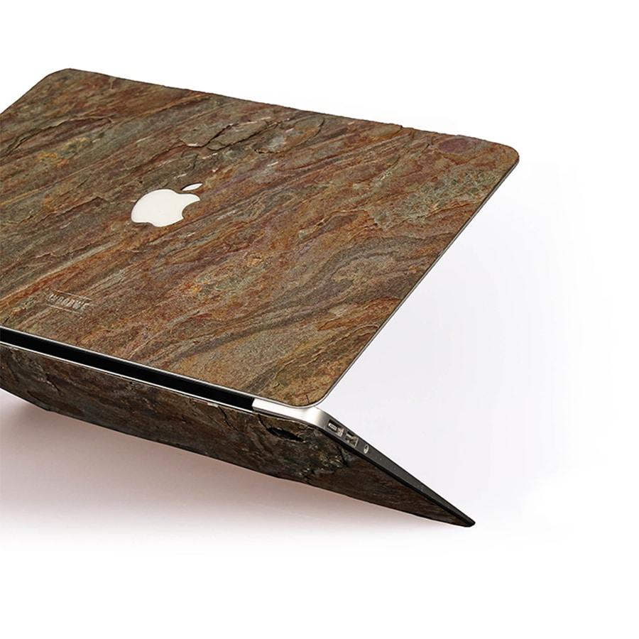 Krycí fólie na Macbook z pravého kamene WoodWe