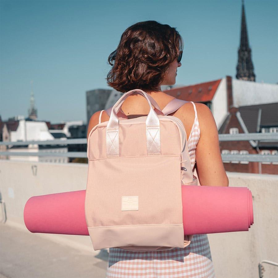 dámský batoh na cvičení