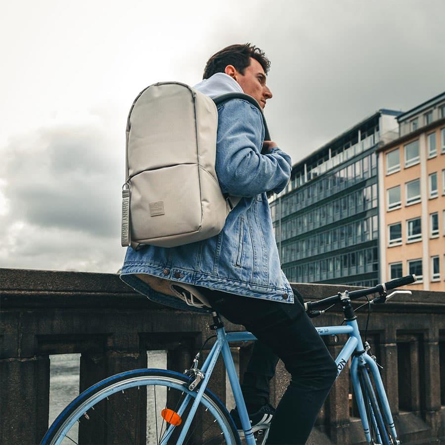 malý městský batoh Milo Johnny Urban
